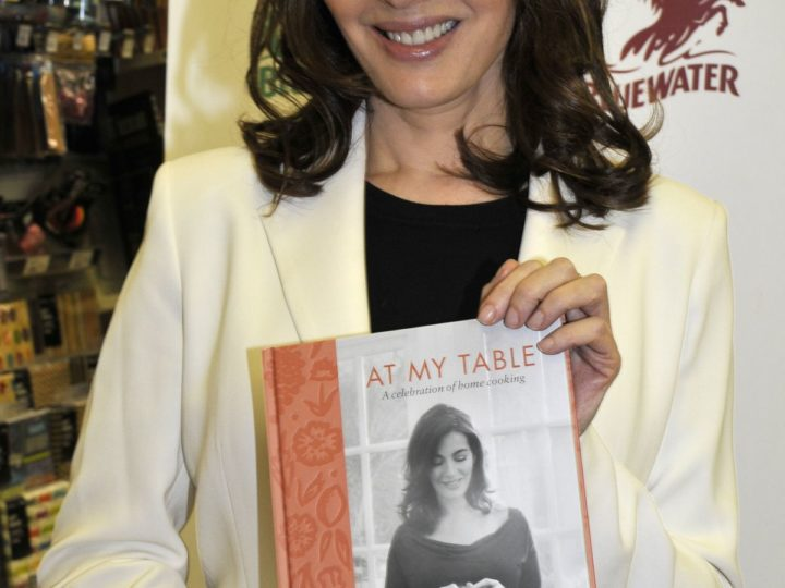 Nigella Lawson: At My Table. A Celebration of Home Cooking