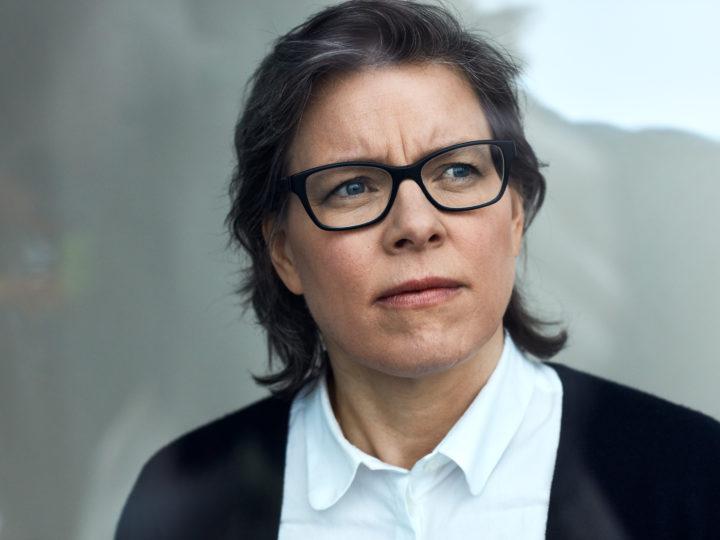 Tisdag 2/4 kl. 17.30 Lena Andersson