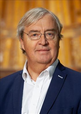 Tisdag 1/10 kl. 17.30 Erik Åsbrink